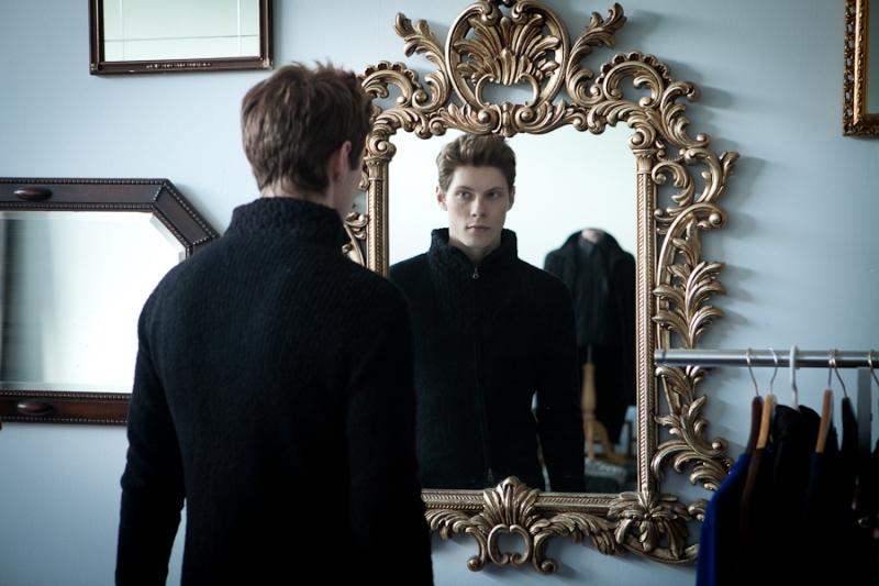 Какие слова нельзя говорить перед зеркалом никогда!