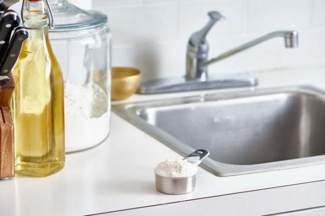Полезный совет для чистки раковины.