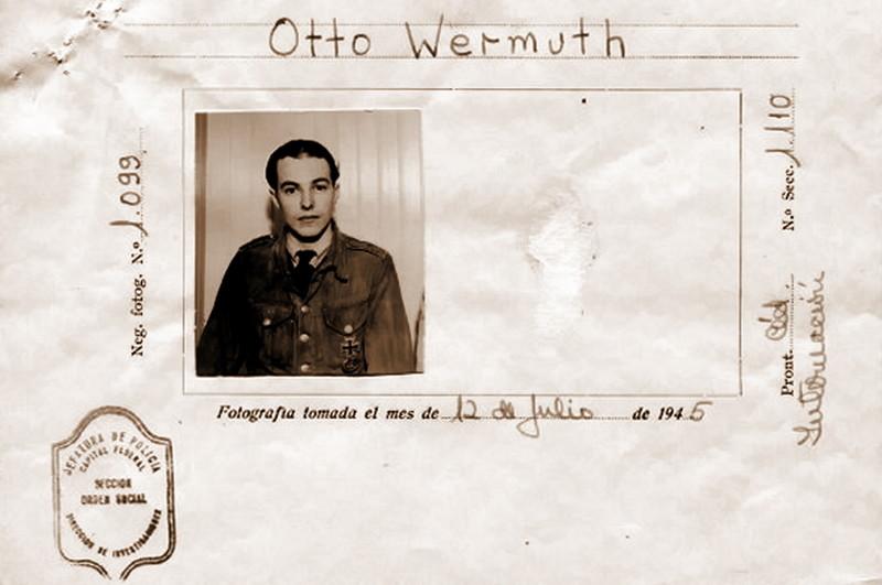 Фото командира U 530 Отто Вермута в идентификационной карте с его личными данными, заполненной аргентинцами после сдачи лодки в июле 1945 года. вторая мирова война, история