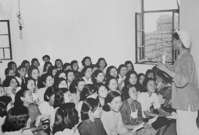 Переквалификация бывших тружениц борделя на заводе Beijing Qinghe. Изучение технологии производства бордели, жрицы любви, китай, продажная любовь, проституция