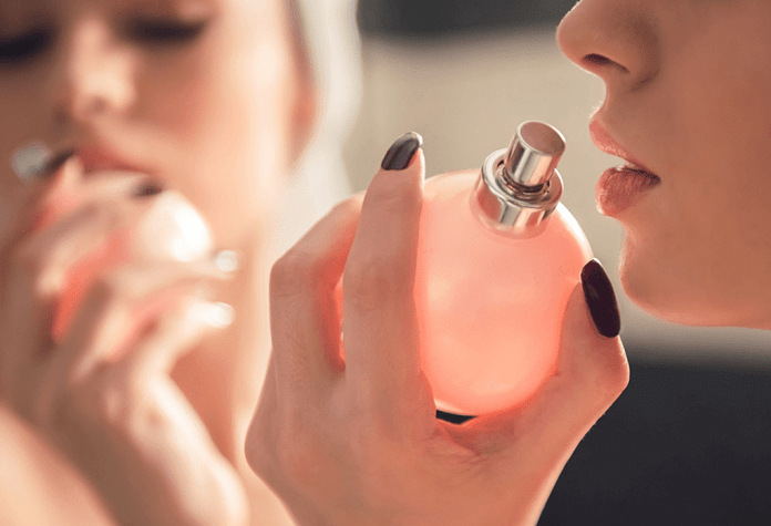 Любимый аромат женщины: о чём может рассказать выбранный ею парфюм?