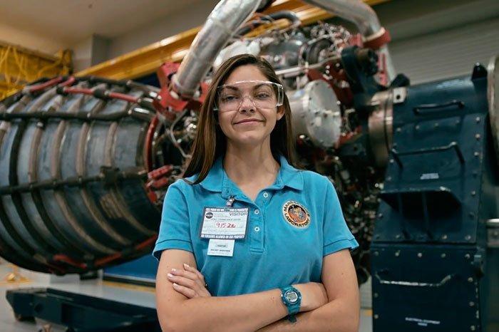 Это Алисса Карсон, 17-летняя девушка из Батон-Руж (Луизиана) nasa, Марс Космос, астронавтка, космос, марс, миссия, сша, центр подготовки космонавтов