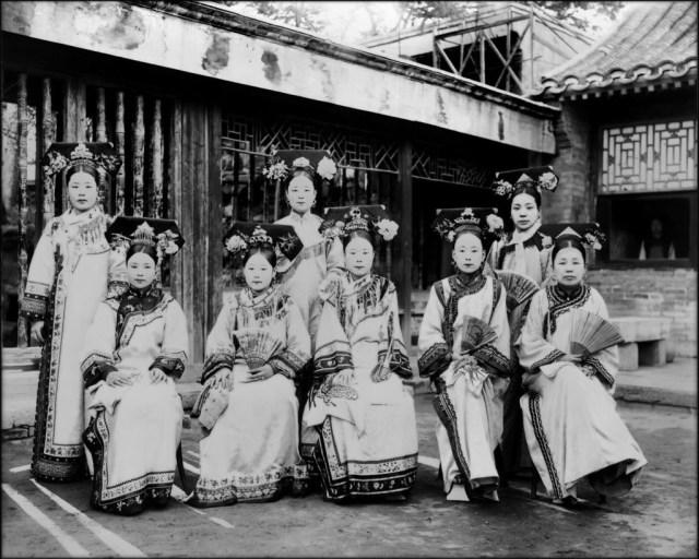 Маньчжурские придворные дамы. исторические фото, история, китай