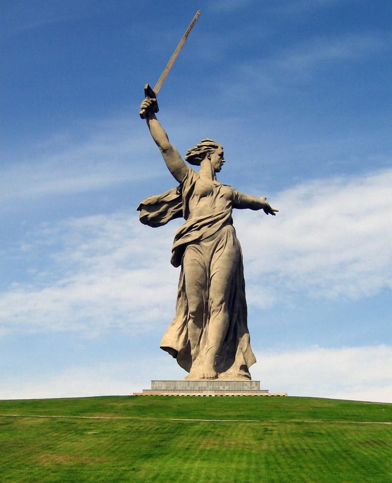 Родина - мать символизирует, то, что меч был поднят в Сталинграде. война, гордость, история, память, родина, россия