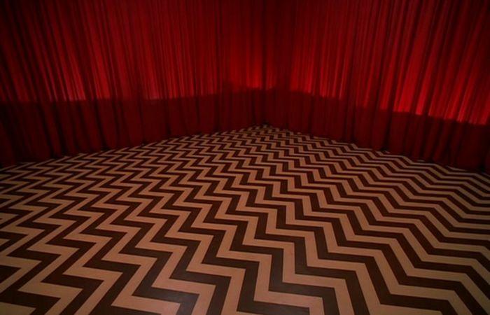 Мозаичный узор на полу Вигвама. | Фото:filmfixx.com