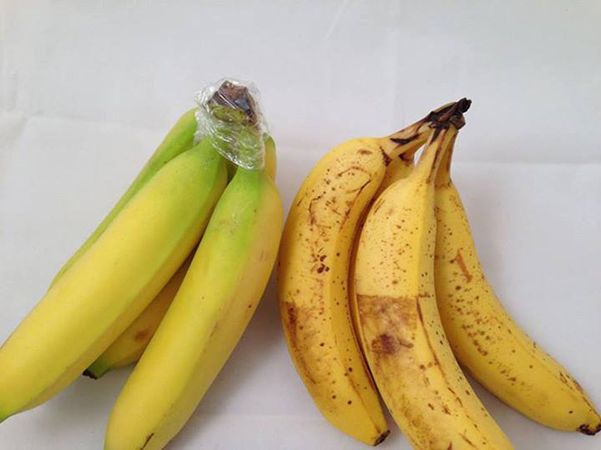 Оборачивай корешок связки бананов скотчем