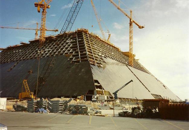 17. Отель-казино Луксор, Лас-Вегас, США, 1993 год достопримечательности, здания, старые фото, строительство