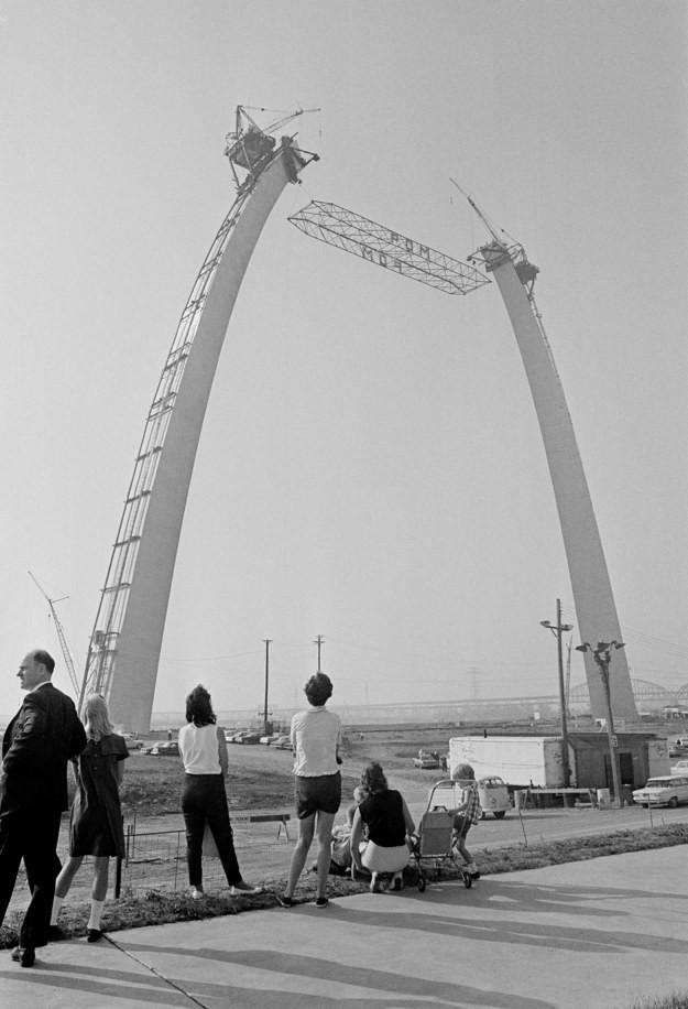 14. Врата на Запад, Сент-Луис, США, 1965 год достопримечательности, здания, старые фото, строительство