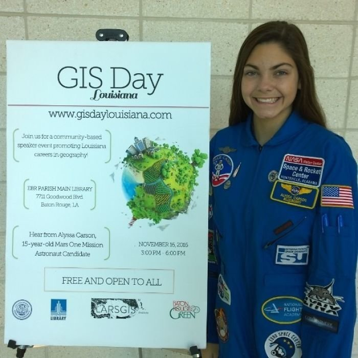 Она не может подать заявку на то, чтобы стать астронавтом, пока ей не исполнится 18 лет. Она самый юный претендент на обучение в Международном космическом университете nasa, Марс Космос, астронавтка, космос, марс, миссия, сша, центр подготовки космонавтов