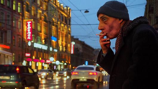 Курильщикам выставляют счет за окурки