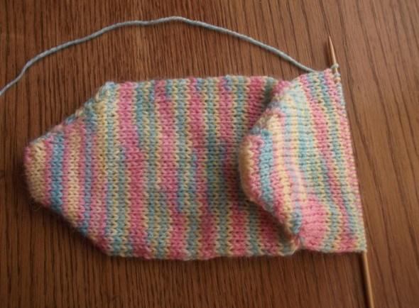 Вяжем носки без шва на двух спицах: легко, интересно и увлекательно!