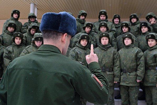 Как в разведке ГРУ капитан проверял реакцию бойцов на критическую ситуацию гранатой