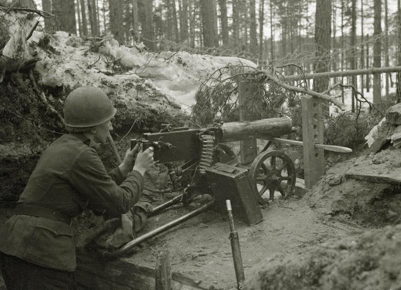 """История одной фотосессии. """"Дошутился"""" 8 апреля 1943 года, Карельский фронт."""