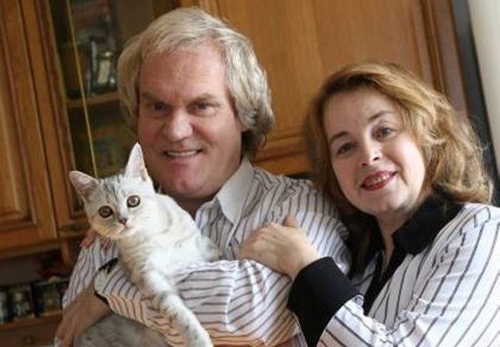 Юрий Куклачев с женой и питомцем. / Фото: www.ya62.ru