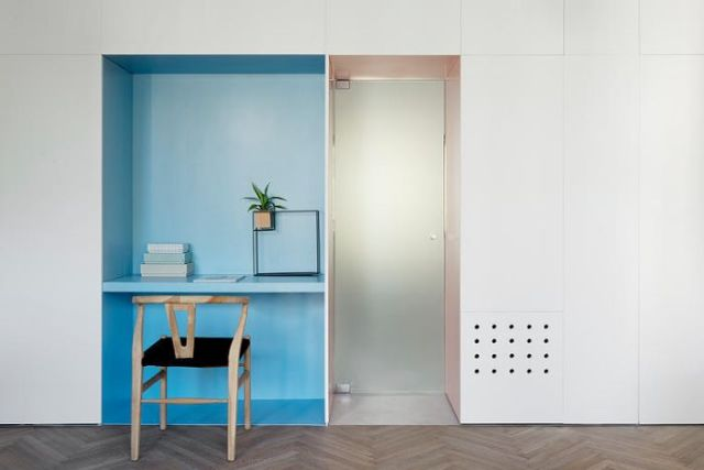 В квартире нашлось место для небольшого домашнего офиса
