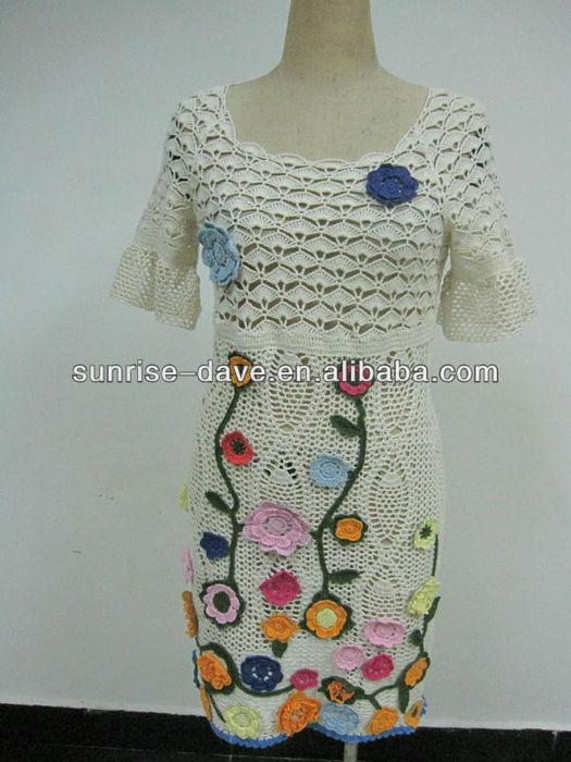 women_s_crochet_sweater_with_flower_pattern (525x700, 73Kb)