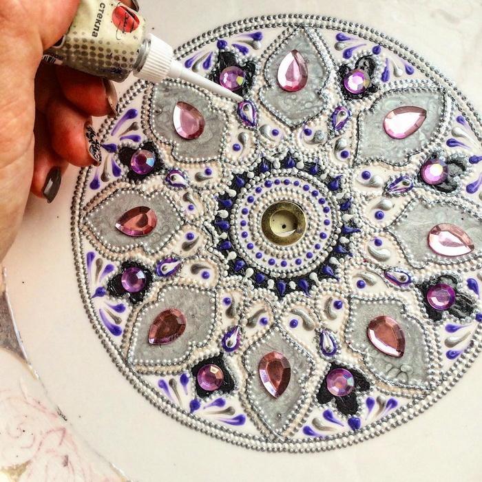 Завораживающие рисунки из сотен точек: хендмейд от мастерицы из Пензы
