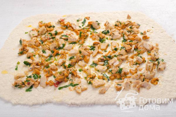 Творожные булочки с курицей и лисичками фото к рецепту 8