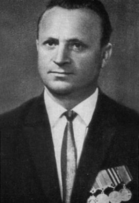 Юный партизан Володя Казначеев