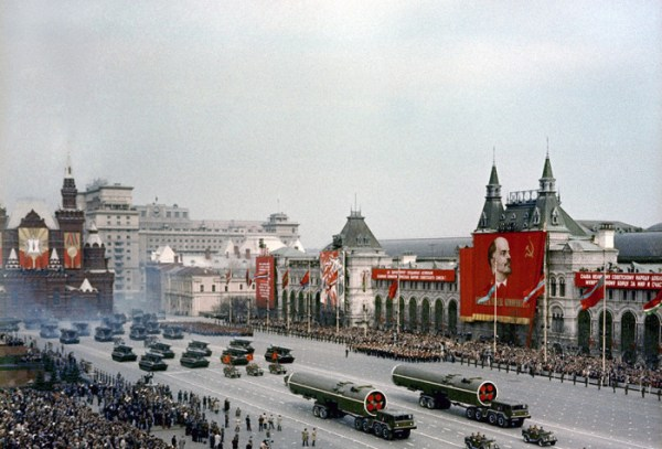 Начало брежневской эпохи: Колоритные фотографии, сделанные иностранцем в СССР в 1965 году