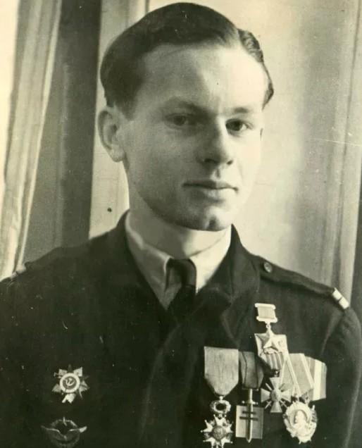 Герой Советского Союза маркиз Ролан де ля Пуап