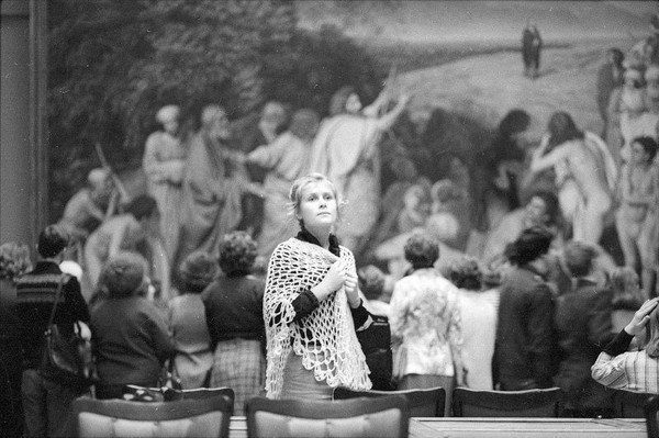 Картины из жизни советских людей