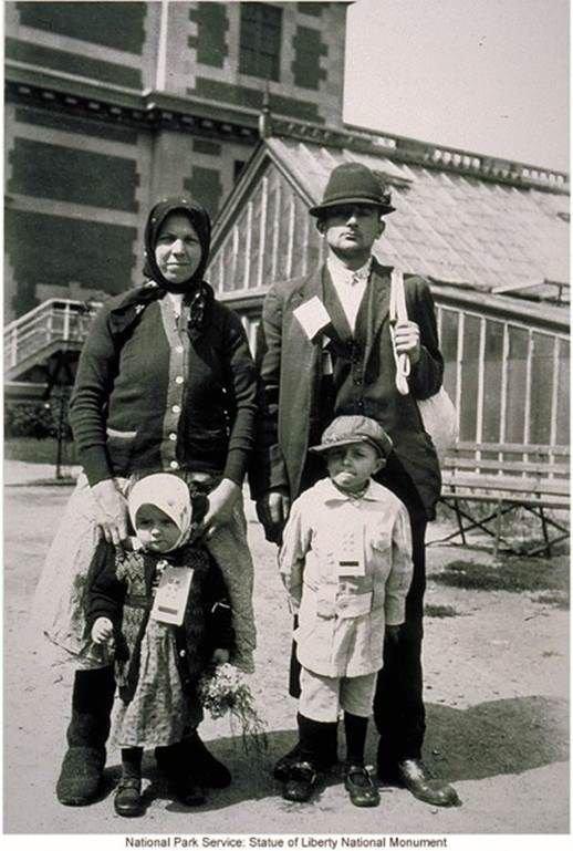 Семья из Ирландии америка, иммигранты, исторические фото, история, остров Эллис, факты