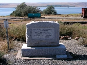 Marker for Fort Nez Perce, with Columbia River in background, photograph by Lyn Topinka
