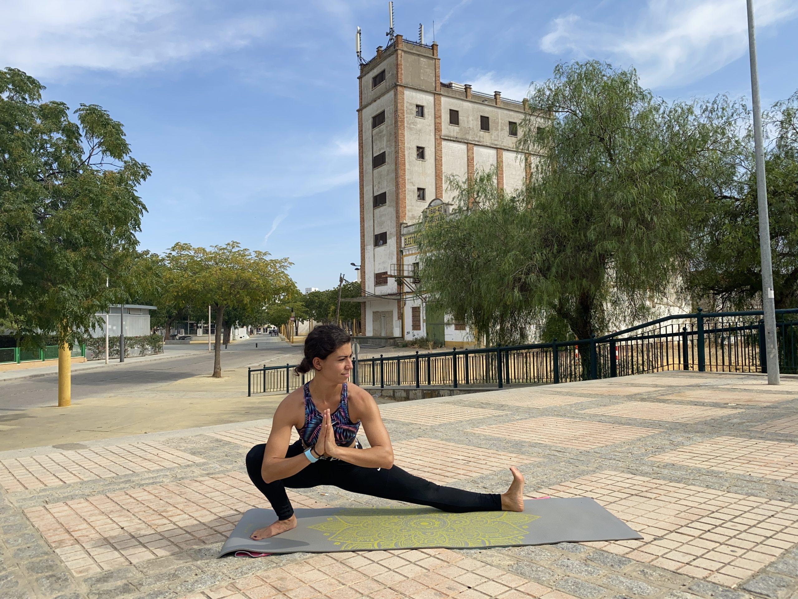 scandasana rocket yoga
