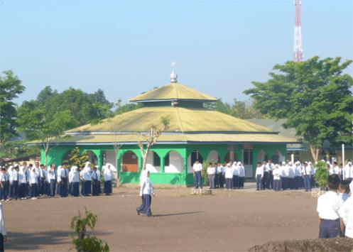 upacara senin pagi