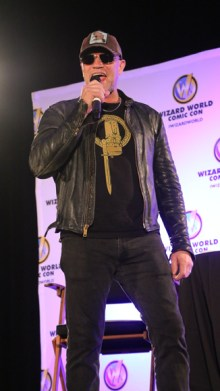 Michael Rooker speaking fans in Nashville. Photo by Maranda Faris