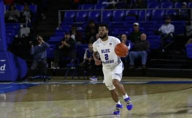 Junior Antwain Johnson brings the ball up the floor against the University of Texas-San Antonio on Jan. 25, 2018, in Murfreesboro, Tenn. (David Chamberlain / MTSU Sidelines)