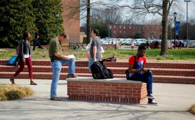 Students study and walk to class on Tuesday, March 24, 2015. The high temperature was 75 degrees. (MTSU Sidelines/Samantha Hearn)