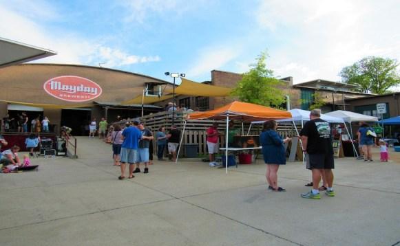 Mayday Brewery hosts their fifth annual Folk 'N Art Festival in Murfreesboro, Tenn. on July 15, 2017. (Steve Barnum / MTSU Sidelines)