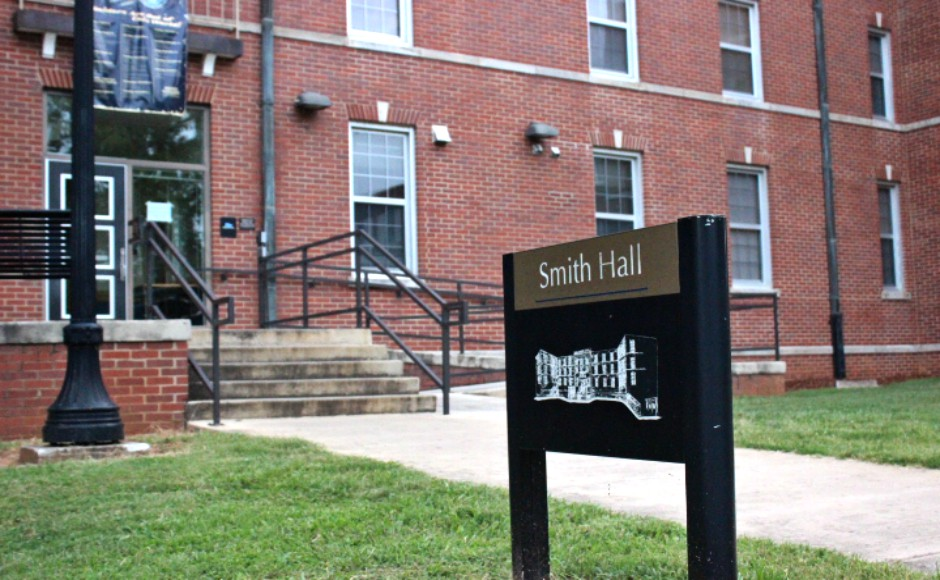 Bedbugs found in Smith Hall dormitory room, according to residents
