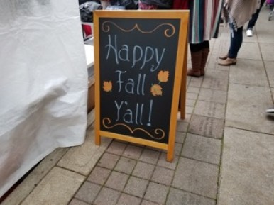 A sign welcomes guests of PumpkinFest in Franklin, Tenn. on Oct. 28, 2017. (Gerardo Palacios / MTSU Sidelines)