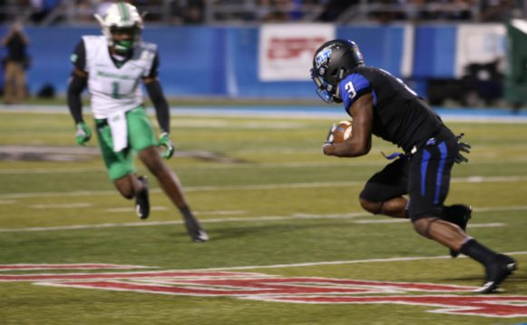 Richie James completes a reception against Marshall on October 20, 2017 in Murfreesboro, TN (Devin P. Grimes/MTSU Sidelines).
