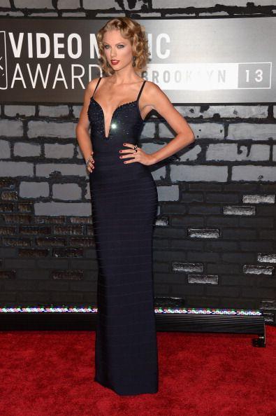 La alfombra roja de los VMAs 2013 - Taylor Swift de Hervé Leger