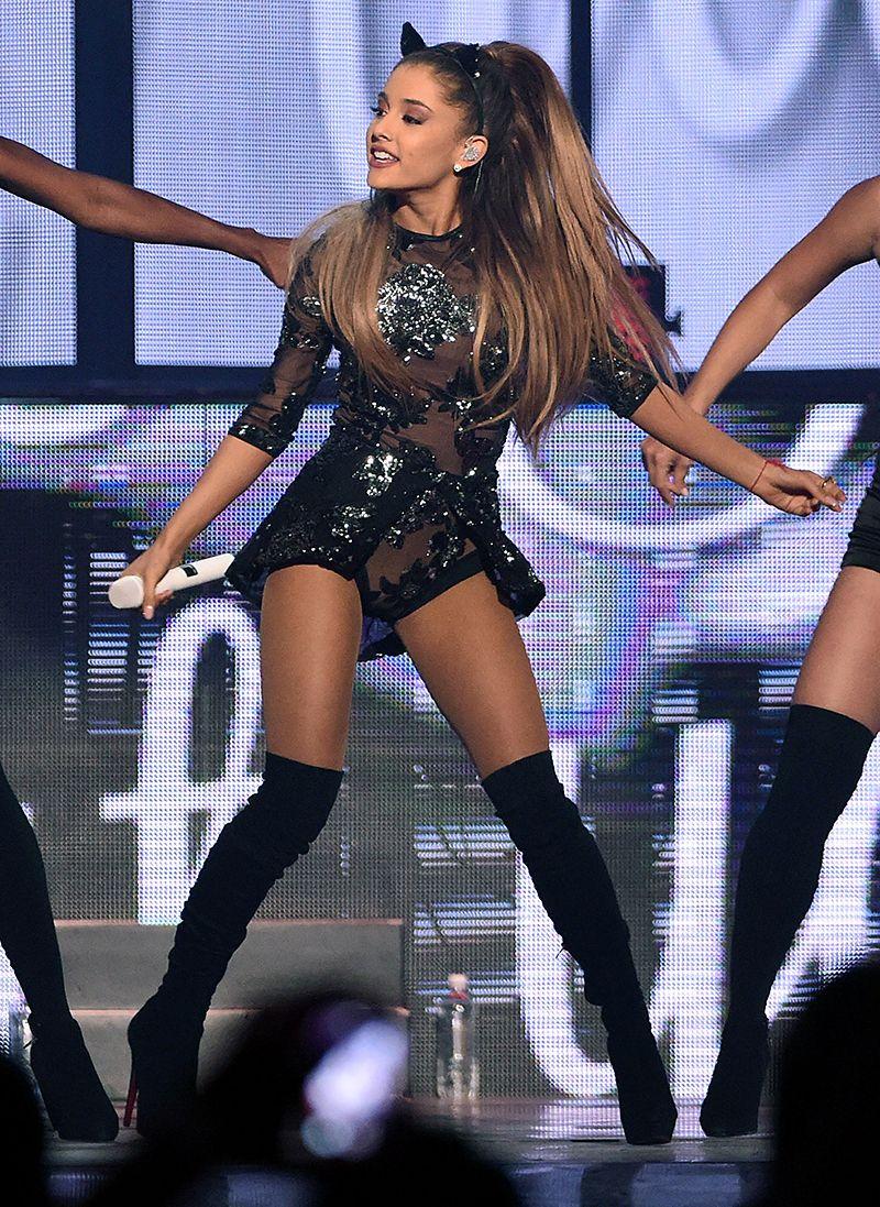 Ariana Grande Cat Costume : ariana, grande, costume, Times, Ariana, Grande, Purrfectly, Nailed