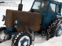 Утепленный на зиму трактор