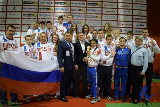 Hansel & Gretel on the podium with Team Russia