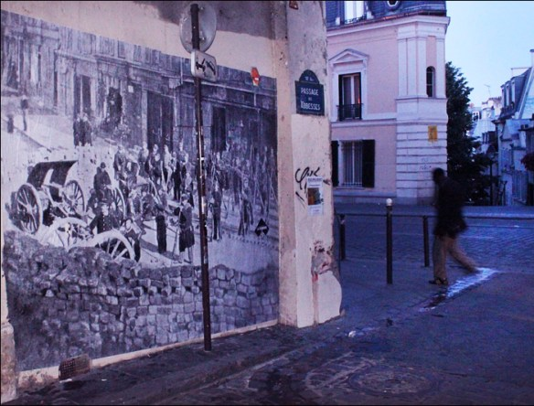 Barricade at rue des Abbesses, pic; Raspouteam
