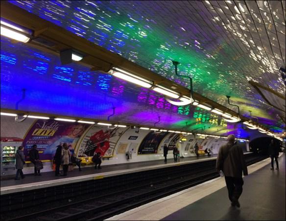 """Métro: Lights for the """"Le Printemps des poètes"""" poetry fest; pic: Cynthia Rose"""