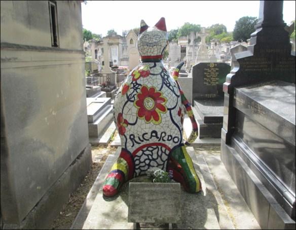 Grave, Niki Saint-Phalle's assistant Ricardo, Montparnasse; pic: Cynthia Rose