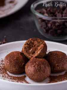 Thisvanilla chocolate wafer balls recipe is very suitable for special occasions! This ultimate recipe will be loved by chocolate lover.