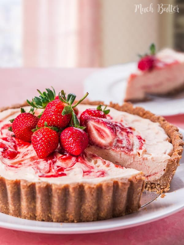 Strawberry semifreddo with marie biscuit crust is sweet, tangy and delightful dessert. This dessert's texture is smooth from the semifreddo, yet buttery and crumbly from the marie biscuit crust.