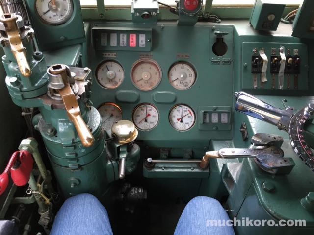 EF63 運転台
