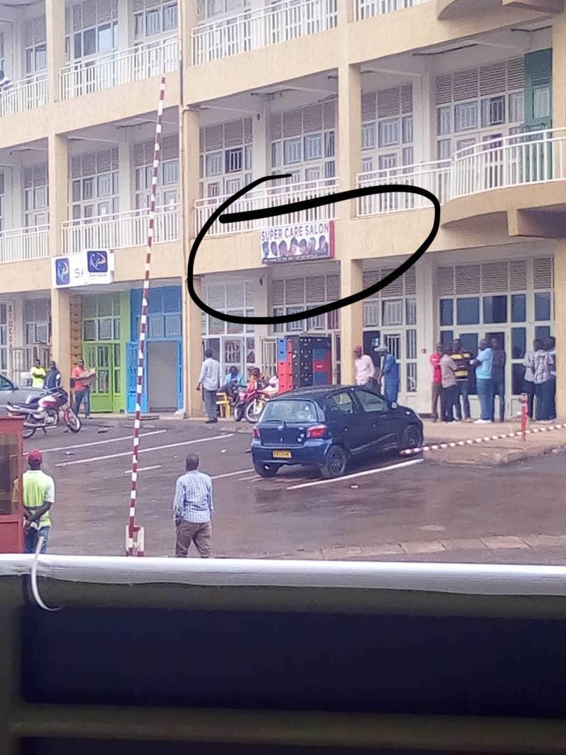 Bagabo Dore Imico Utaruzi Iranga Umugore: Salon Itunganya Imisatsi Iherereye Kigali, Nyabugogo Ku