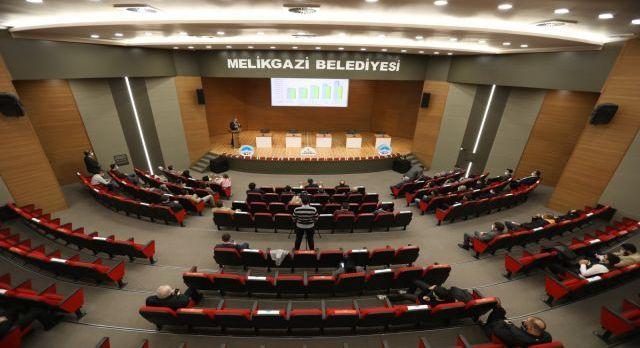 Kayseri Melikgazi'den AK Parti teşkilatına sunum