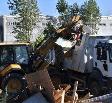 Bursa Osmangazi'de kaçak barakalar yıkıldı